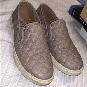 Steve Madden tanish grey shoes